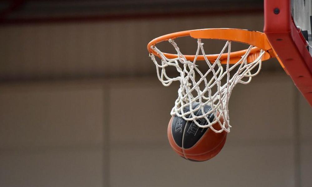Κορονοϊός: Το πιο αισιόδοξο μήνυμα, σε γήπεδο μπάσκετ στην Ελλάδα (photos)