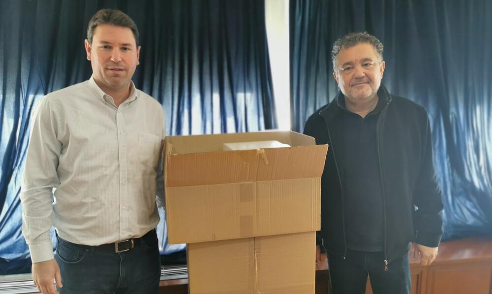 Τρομερή κίνηση! Η οικογένεια Αντετοκούνμπο πρόσφερε 10.000 μάσκες στο Δήμο Ζωγράφου