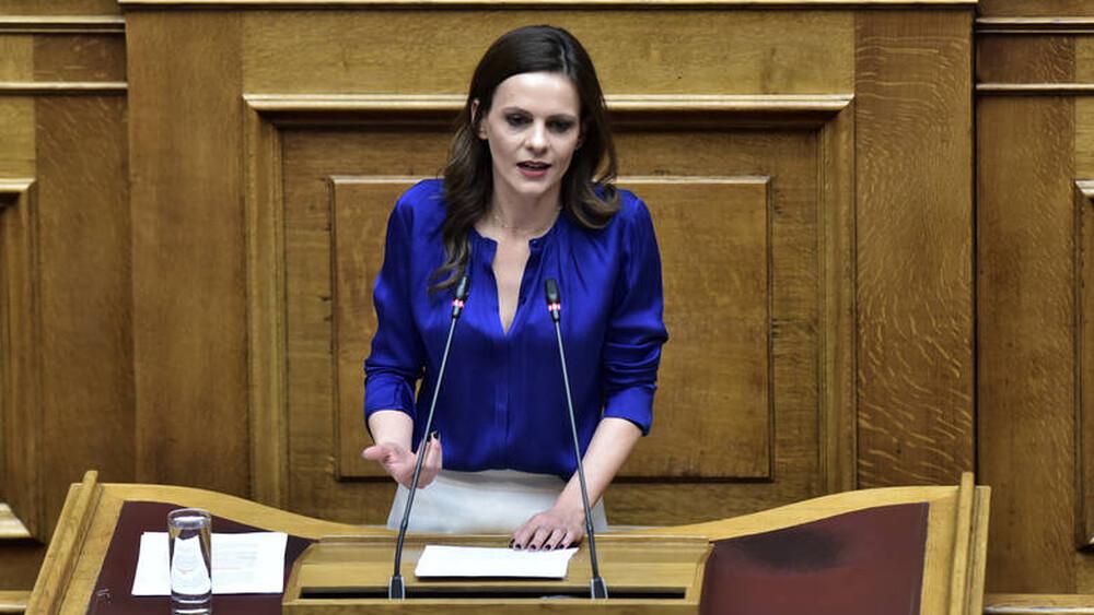 Αχτσιόγλου: Ισχυρό πακέτο τώρα για να προλάβουμε τις συνέπειες της ύφεσης
