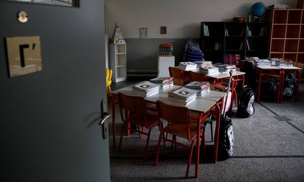 Κορονοϊός: Κλειστά τα σχολεία μέχρι τις 10 Μαΐου - Τι θα συμβεί με τις Πανελλήνιες