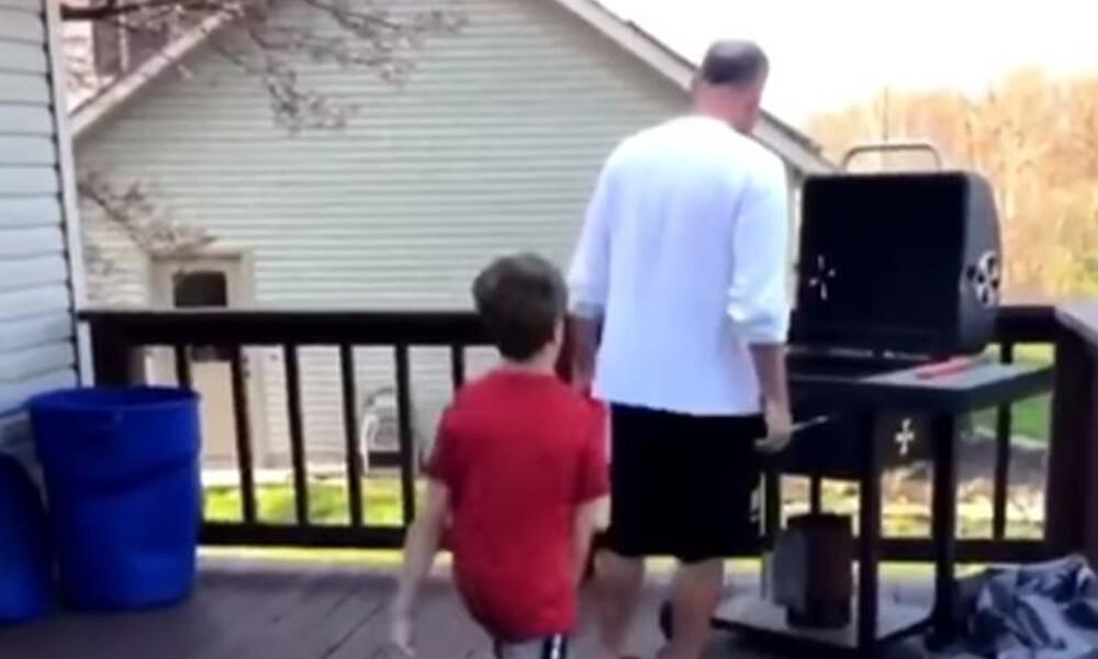Να τι δεν πρέπει να κάνεις με τη μπάλα, όταν ψήνει ο πατέρας σου! (video+photos)