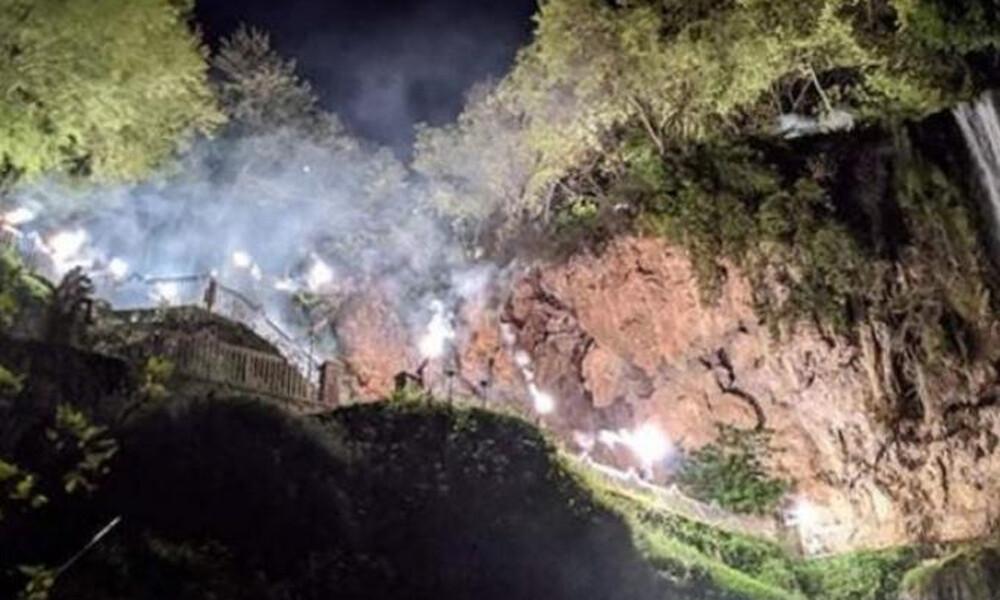 ΠΑΟΚ: Εντυπωσιακό pyroshow στους καταρράκτες της Έδεσσας (video)