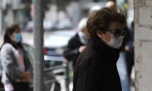 Υφασμάτινη μάσκα: Πού, πότε και πώς θα τη φοράμε - Τι ανακοίνωσε ο Τσιόδρας