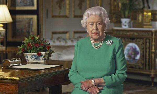 Δύσκολες ώρες για τη βασίλισσα Ελισάβετ: Οι στερήσεις λόγω καραντίνας – Πώς ζει στο παλάτι (pics)