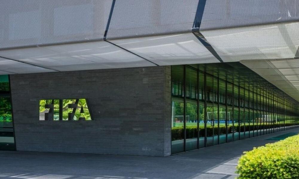 Αντίθετος με την άμεση «επανεκκίνηση» ο πρόεδρος της ιατρικής επιτροπής της FIFA
