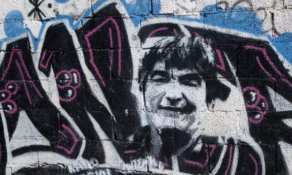 Ο θρυλικός «Μητσάρας» έγινε γκράφιτι στη Νέα Σμύρνη (photos)