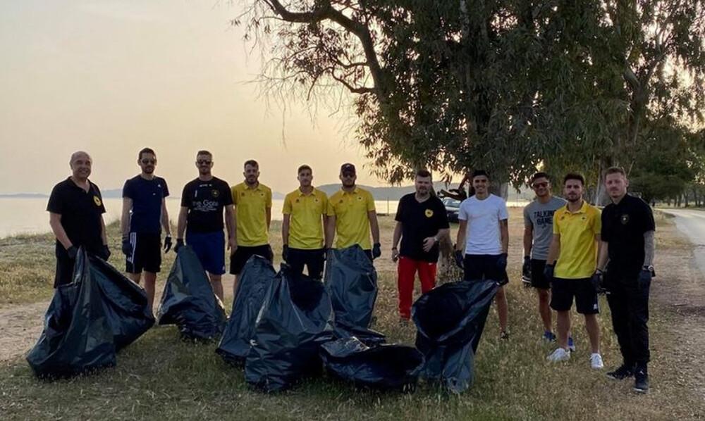 Θεσπρωτός: Καθάρισε την παραλία του Δρεπάνου