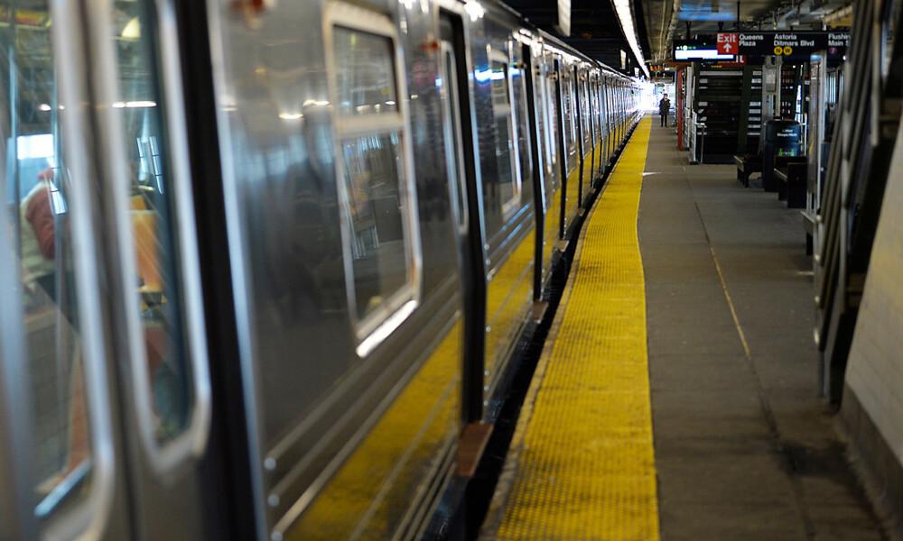 Σάλος με ασυγκράτητο ζευγάρι: Έκαναν σεξ στο μετρό εν μέσω πανδημίας! (photos)