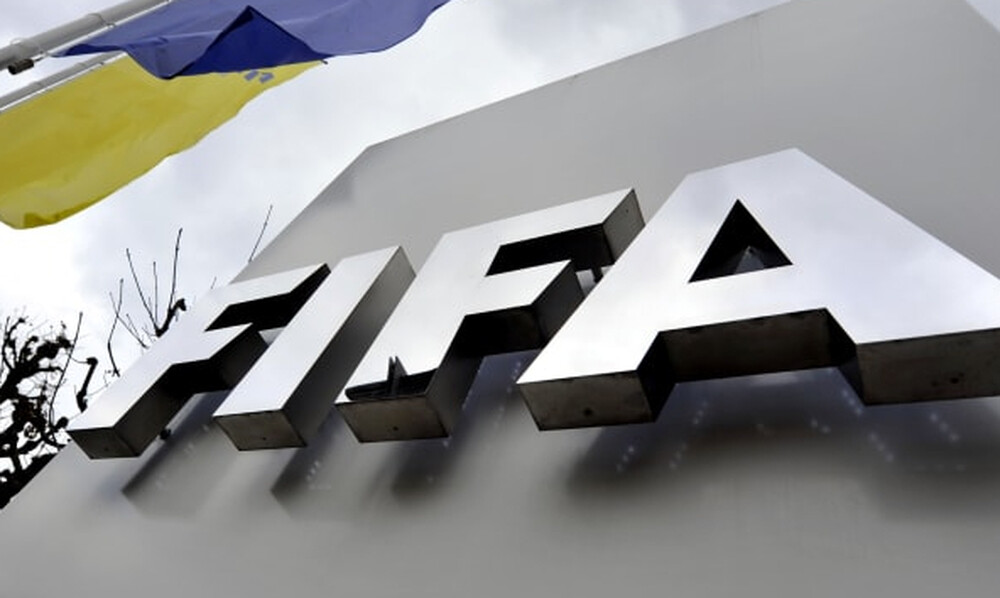 FIFA: Τρεις ομάδες σε μια σεζόν λόγω κορονοϊού
