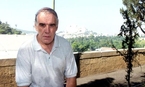 Νίκος Αλέφαντος: Έτσι τον αποχαιρέτησε ο εγγονός του (photos)