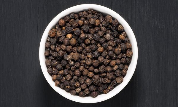 Μαύρο πιπέρι: 6 εκπληκτικά οφέλη για την υγεία (εικόνες)