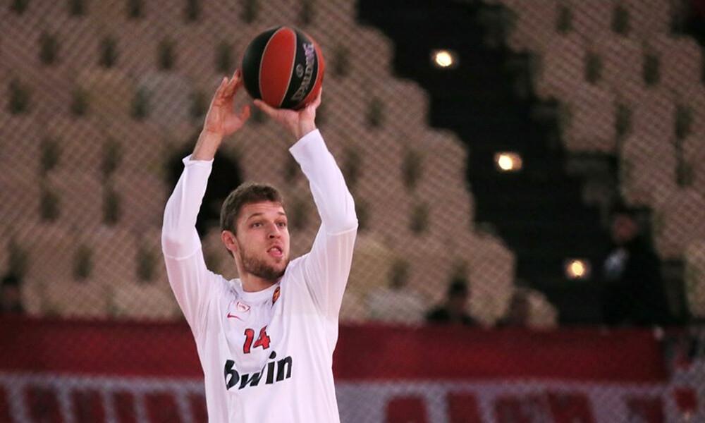 Πατέρας Βεζένκοφ: «Θέμα χρόνου να υπογράψει στον Ολυμπιακό»