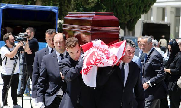 Ήταν όλοι εκεί... Το τελευταίο αντίο στο Νίκο Αλέφαντο (photos)