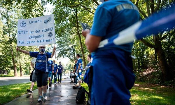 Σάλκε: Ανθρώπινη αλυσίδα εναντίον του Τένις (video+photos)