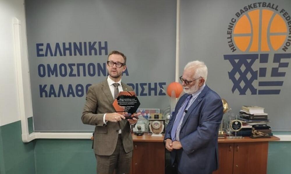 Ο Πρέσβης της Λιθουανίας τίμησε την ΕΟΚ για την διαχρονική φιλία