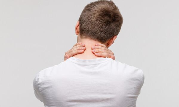 Πόνοι στον αυχένα: Πώς θα τους προλάβετε (εικόνες)