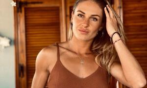 «Φωτιά» το κορμί της Κατερίνας Δαλάκα - Δεν... κρατήθηκε ο σύντροφός της (pics+video)