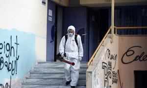 Κορονοϊός: Συναγερμός για τα 50 κρούσματα - Έκτακτη σύσκεψη υπό τον Μητσοτάκη