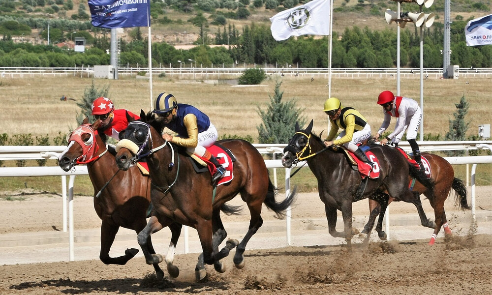Markopoulo Park: Δέκα καθαρόαιμοι ίπποι διεκδικούν το Κύπελλο Ηνιόχου