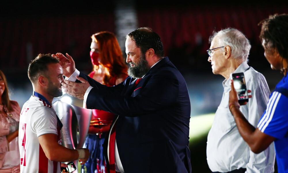 Ολυμπιακός: Ο Μαρινάκης αφιέρωσε το πρωτάθλημα στον Σάββα Θεοδωρίδη