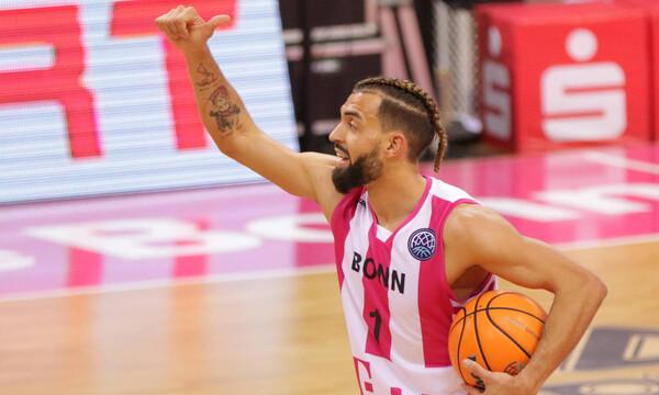 Βόννη: Αποδέσμευσε παίκτη επειδή διαδήλωσε κατά των μέτρων για τον κορονοϊό