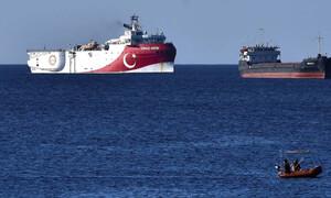 Θερμό επεισόδιο Ελλάδας - Τουρκίας: «Το Oruc Reis έφτασε στην περιοχή - 83 εκατ. Τούρκοι μαζί του»