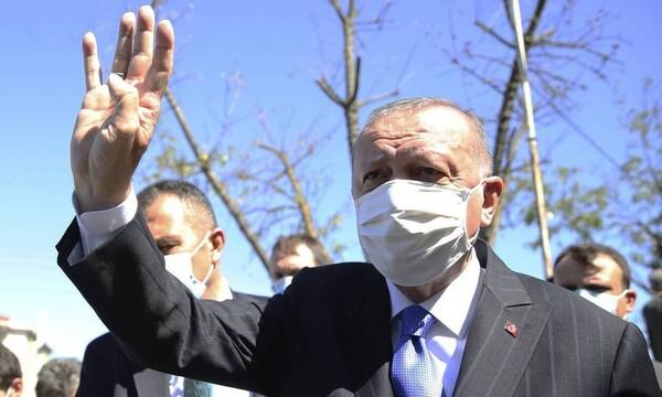 Μας απειλεί με χτύπημα ο Ερντογάν: «Έλληνες μην περιφέρεστε στα νησιά - Μακρόν θα έχεις μπλεξίματα»