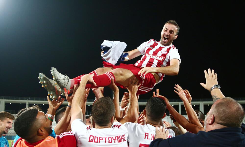 ΑΕΚ-Ολυμπιακός: Σήκωσαν στον αέρα τον Τοροσίδη (video+photos)