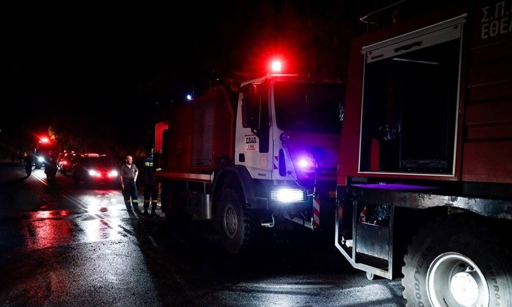 Νύχτα αγωνίας στην Καρδίτσα: Δύο αγνοούμενοι και εφτά εγκλωβισμένοι μετά το σφυροκόπημα του Ιανού