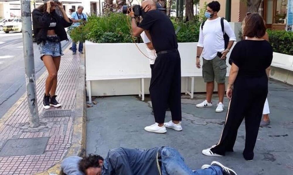 Δημήτρης Σκουλός: Η πρώτη αντίδραση για τη φωτογράφιση δίπλα από άστεγο (video)