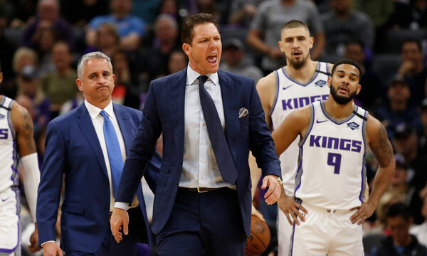 NBA: Συνεχίζει στους Κινγκς ο Ουόλτον