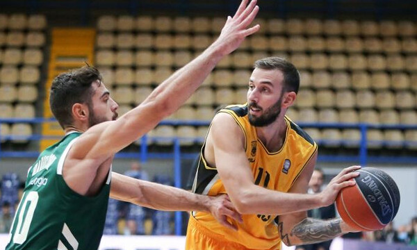 Γιάνκοβιτς: «Δεν βοηθάει καθόλου ότι παίζουμε σε άδεια γήπεδα» (video)