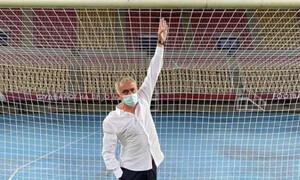 Επικός Μουρίνιο: Μέτρησε τα γκολπόστ και ξεσκέπασε την... κουτοπονηριά της Σκεντίγια (video+photos)