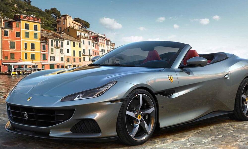 Ο καθαρός ουρανός της Ferrari Portofino αστραπές δεν φοβάται