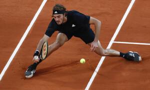 Roland Garros: «Καμπάνα» στον Τσιτσιπά