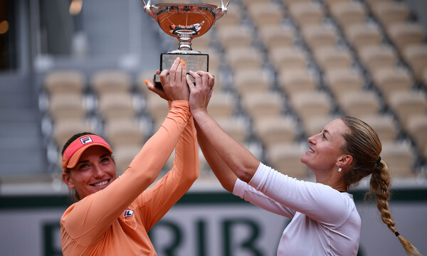 Roland Garros: Repeat στο Παρίσι οι Μλαντένοβιτς και Μπάμπος στο διπλό γυναικών (photos+videos)