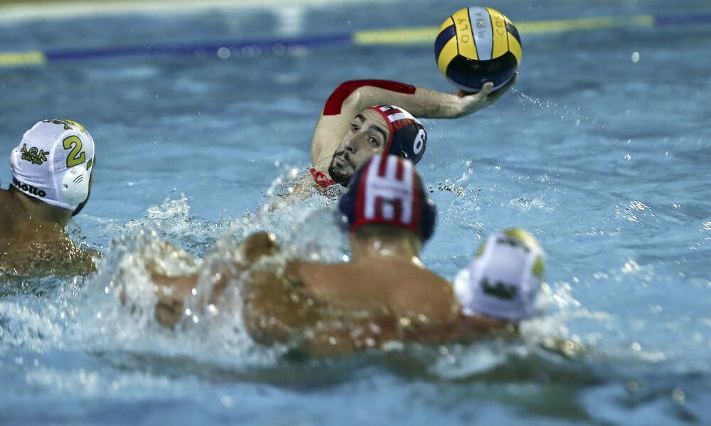 Πόλο ανδρών: Στον Ολυμπιακό το «ντέρμπι» με την ΑΕΚ (photos)