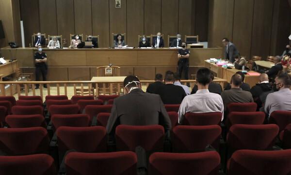 Δίκη Χρυσής Αυγής: «Βόμβα» Εισαγγελέα - Να μην μπει κανείς φυλακή εκτός του Ρουπακιά