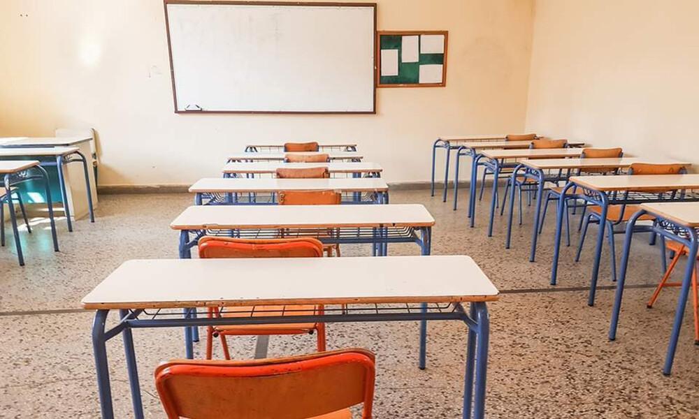 Κρήτη: Καθηγήτρια χαστούκισε μαθητή Γυμνασίου λόγω μάσκας - Τι καταγγέλλει ο πατέρας