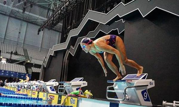Κολύμβηση: Τρίτο Πανελλήνιο ρεκόρ από τη Νόρα Δράκου στη Βουδαπέστη στα 100μ. ύπτιο!