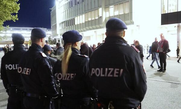 Τρόμος στη Βιέννη: Επίθεση αυτοκτονίας και πυροβολισμοί σε συναγωγή - Πληροφορίες για νεκρό