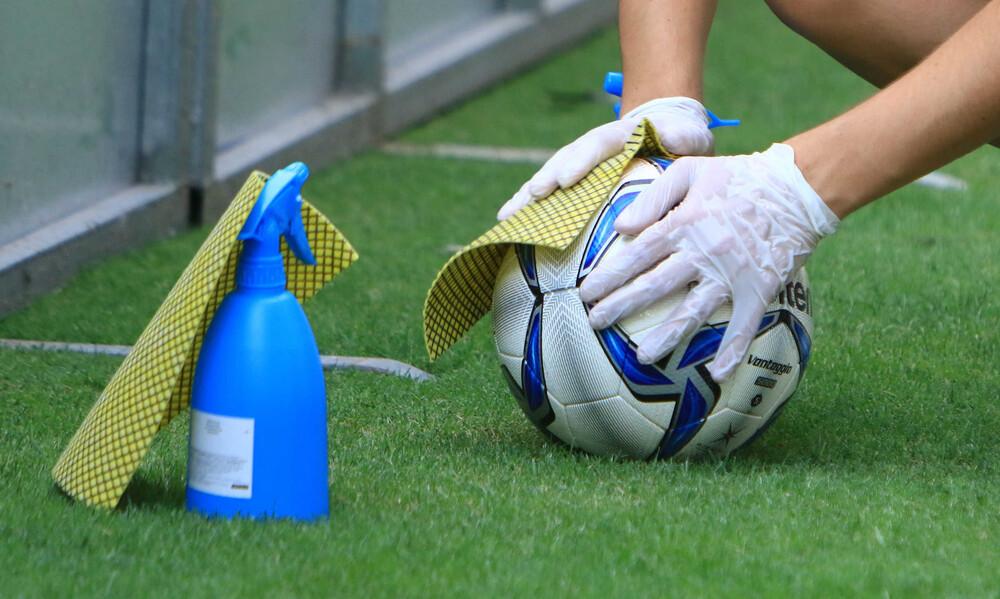 Lockdown: Τι θα γίνει με το ποδόσφαιρο, αποφασίζει ο πρωθυπουργός
