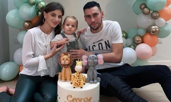 Δώνης - Χατζηανδρέου: Τα πρώτα γενέθλια του γιου τους (vid&pics)