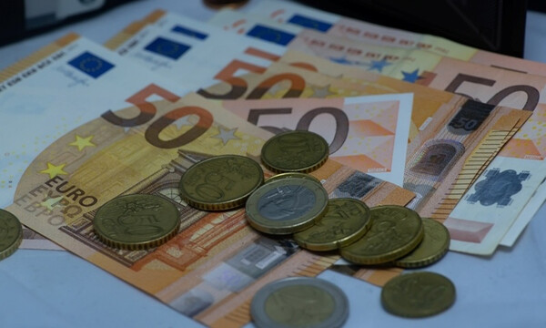 Lockdown – Επίδομα 800 ευρώ: Πότε θα πληρωθεί στους δικαιούχους