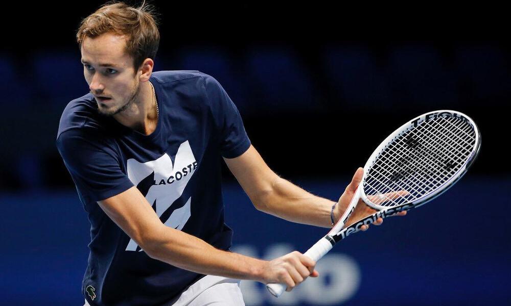 ATP Finals: Ο Μεντβέντεφ άνετα 2-0, μπαίνει στον δρόμο του Τζόκοβιτς (videos+photos)