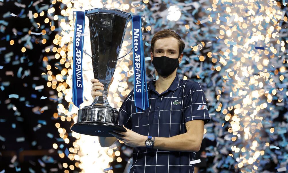 ATP Finals: Στον θρόνο του Τσιτσιπά ο Μεντβέντεφ (video)