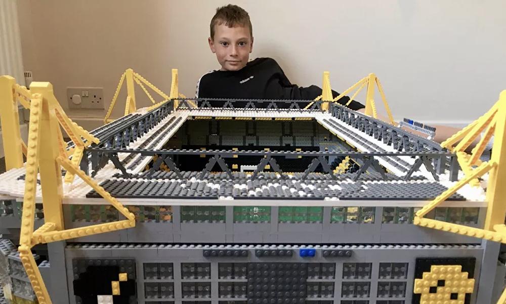 Απίθανο: Πιτσιρικάς κατασκευάζει τα γήπεδα της Bundesliga με LEGO (photos)