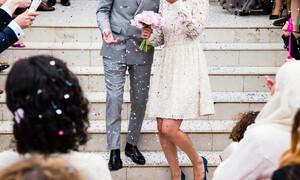 «Κατέστρεψε» το γάμο του ο γαμπρός – Κλώτσησε κατά λάθος τη νύφη (video)