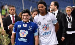 Μαραντόνα: Ραγίζει καρδιές το μήνυμα Ροναλντίνιο! (Photos)