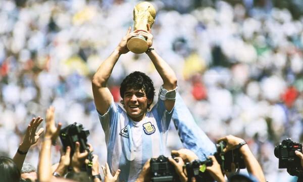 Ντιέγκο Μαραντόνα: Ο μοναχικός Θεός του ποδοσφαίρου, με τους εκατομμύρια πιστούς (videos+photos)